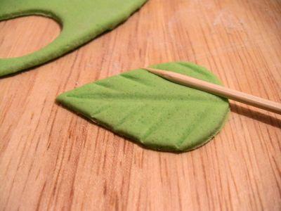 Листочки из мастики : Торты (украшения ...
