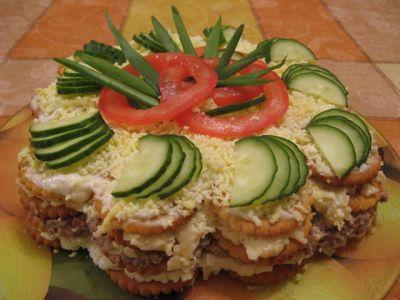 Закусочный салат торт из крекеров