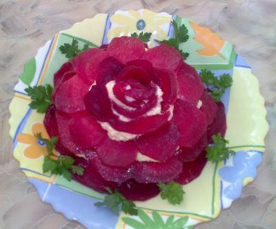 В свой цитатник или сообщество!  Еврейская закуска с маринованной свеклой.