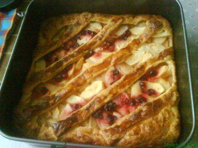 Яблочный пирог из слоеного теста в духовке рецепт