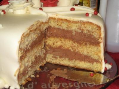 Белый бисквит с шоколадным кремом