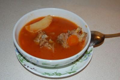 Как приготовить жареную картошку с сыром и помидорами