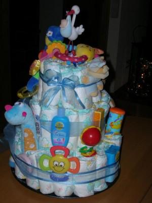 Торт для новорожденного мальчика из памперсов