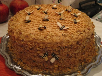 Пчелки на торт своими руками