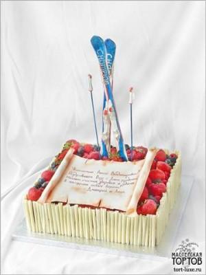 Торт с трубочками из шоколада 10