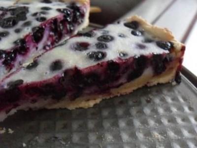 Пирог с черникой быстрый