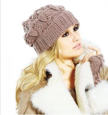 вязание спицами зимние шапки женские схемы. вязаные шапки фото.