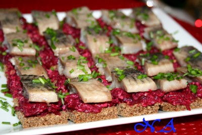 бутерброды с селедкой на черном хлебе фото рецепт
