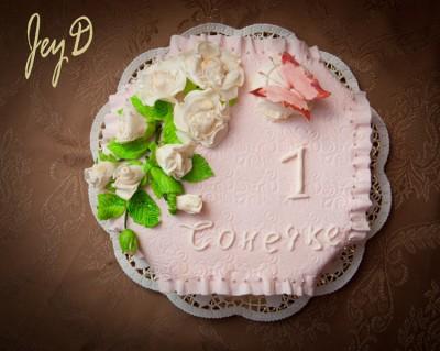и еще тортик на годик девочке.