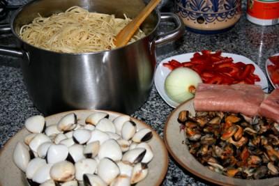 Как и с чем приготовить мясо в фольге на углях