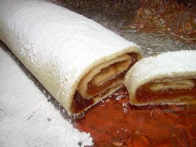 Разрезанный торт с цветами фото 3