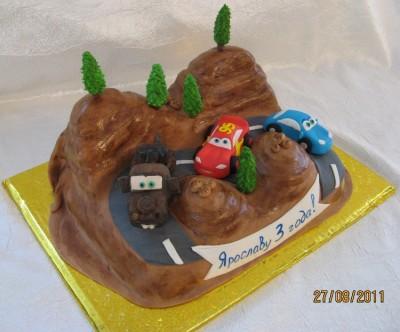 """Оформление готового торта  """"Тачки """" - кулинарный рецепт.  18 фев 2010 ."""
