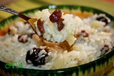 Рис с яблоками и изюмом рецепт