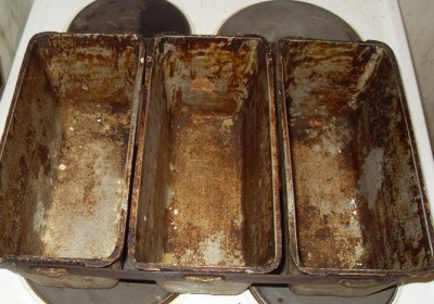 Чем отмыть форму для выпечки от нагара