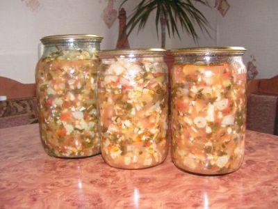 """Салат из цветной капусты  """"Ароматный """".  Такой салатик делаем уже несколько лет, всем очень нравится."""