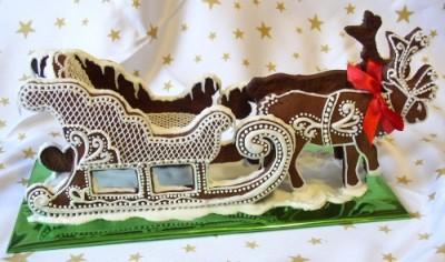 Сани Деда Мороза с оленями.