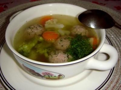 Мясной суп с брокколи