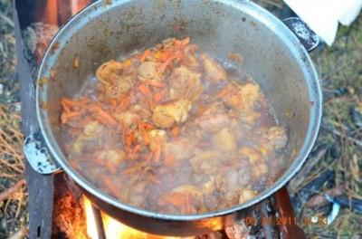 Плов в казане с курицей на костре рецепт пошагово
