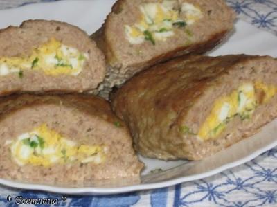рулету с яйцом мясного фото