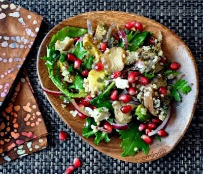 салат с киноа Quinoa баклажанами гранатом м козьим сыром салаты