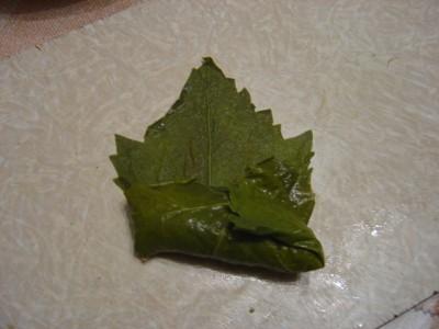 Как делать голубцы в виноградных листьях