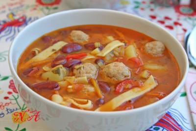 Суп из фрикаделек с лапшой