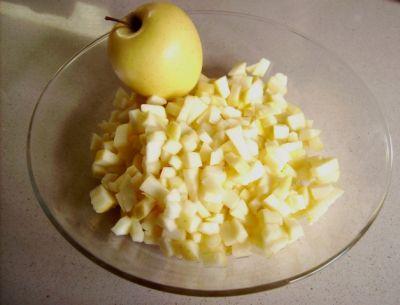 Картинки по запросу Нарезать соломкой яблоки, чернослив, курагу.