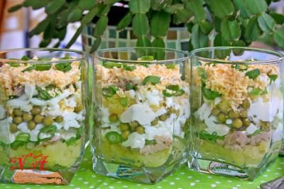 Праздничный салат из печени трески
