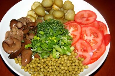Помидоры с огурцами маринованные - кулинарный рецепт