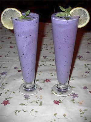 Молочный коктейль с бананом рецепт домашнего молочного коктеля.