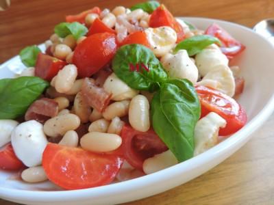 быстрый и вкусный салат с моцареллой рецепт с фото