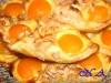 Слоенки с абрикосами(персиками)и яичным кремом