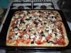 Пицца с манкой для «пиццеманов» )))