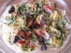 Салат с рукколой, помидорами и индейкой «Красочный»