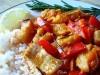 Минтай с овощами и розмарином на сковороде