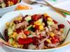 Салат из фасоли, кукурузы и тунца в мексиканском стиле