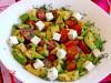 Салат-закуска с авокадо,черри и фетой