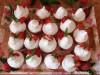 Клубничные капкейки с белковым заварным кремом