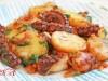 Осьминог с картофелем в сковороде(португальская кухня)