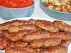Чeвапчичи с соусом айвар-сербская кухня