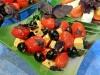 Салат с «расплющенными» помидорами черри