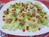 Зеленый салат с грецкими орехами и гранатом