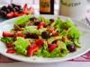Салат из авокадо, клубники и черешни (постный)