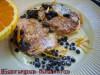 Творожные оладьи с черникой и ванильным соусом