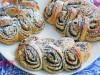 Плюшки-колоски с маком и сырной глазурью