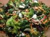 Салат из кейла, брокколи и феты