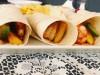 Тортилья с креветками, манго и ананасом на гриле